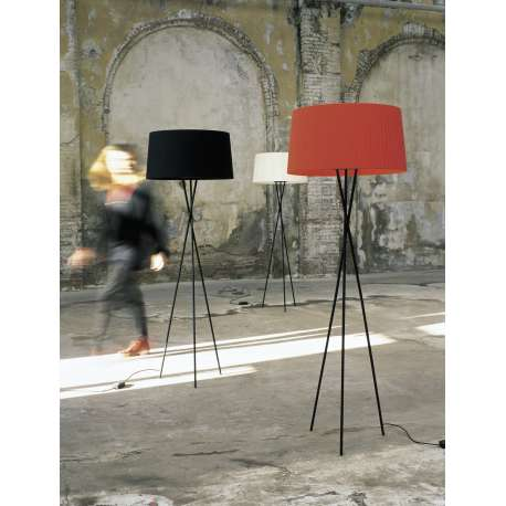 Tripode G5 Floor lamp - Santa & Cole - Santa & Cole Team - Lighting - Furniture by Designcollectors