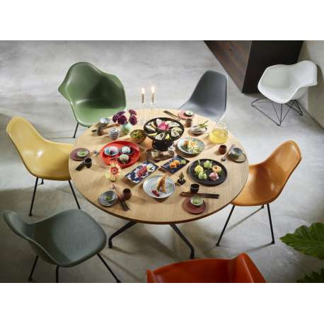 Vitra segmented table dining: rond - vitra - Charles & Ray Eames - Tafels - Furniture by Designcollectors
