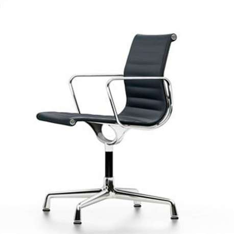 Aluminium Chair EA 104 Stoel - Vitra - Charles & Ray Eames - Stoelen - Furniture by Designcollectors