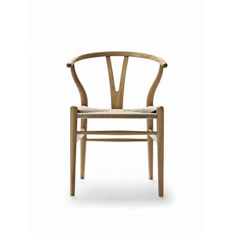 CH24 Wishbone Chair - Carl Hansen & Son - Hans Wegner - Furniture by Designcollectors