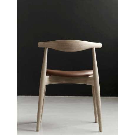 CH20 Elbow Chair - Carl Hansen & Son - Hans Wegner - Home - Furniture by Designcollectors