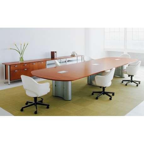 Saarinen Conference Armchair Swivel/Tilt - Knoll - Eero Saarinen - Chairs - Furniture by Designcollectors