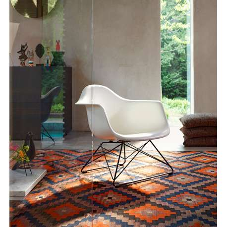 Eames Plastic Armchair LAR unupholstered - vitra - Charles & Ray Eames - Arm & Lounge Chairs - Furniture by Designcollectors