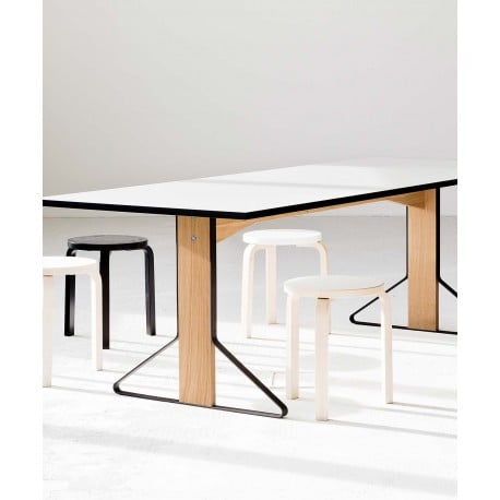 REB 001 Kaari dining table - artek - Ronan and Erwan Bouroullec - Tables - Furniture by Designcollectors