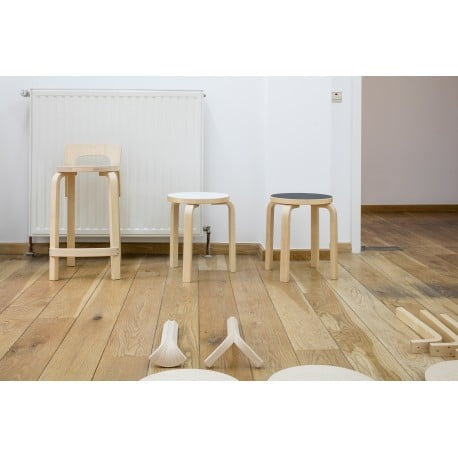 NE60 Children's Stool 4 Legs - artek - Alvar Aalto - Chairs - Furniture by Designcollectors