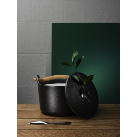 Sarpaneva Cast Iron Pot 3 l - Iittala - Timo Sarpaneva - Home - Furniture by Designcollectors